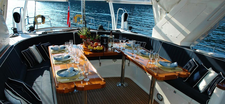 yacth_charterboat
